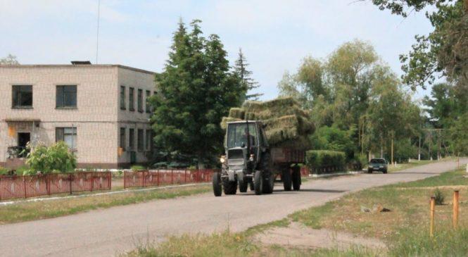 «Неймовірне село» Луганщини. Як живе сільська громада за 5 кілометрів до війни