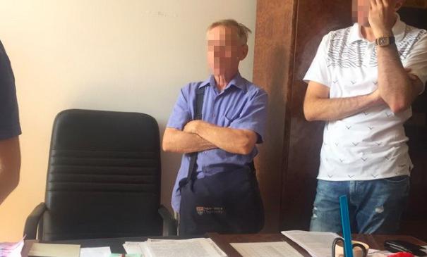 У Києві на хабарі попався чиновник Мінрегіонрозвитку