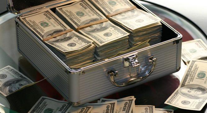 Хто освоює $1,75 мільярда міжнародної донорської допомоги Україні