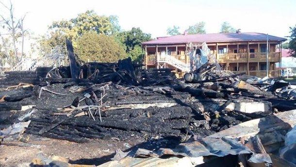 Лише через три роки й жахливої пожежі прокуратура вручила підозру за розтрату коштів при реконструкції «Вікторії»