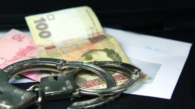 Військова прокуратура затримала адвоката депутата Київської облради за спробу підкупу офіцера поліції