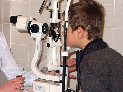 За постачання офтальмологічного обладнання для лікарні позмагалися два близькі підприємці