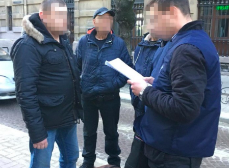 На Львівщині на хабарі попався посадовець Державної міграційної служби