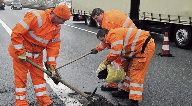 У Луцьку оплатили фіктивний ремонт дороги