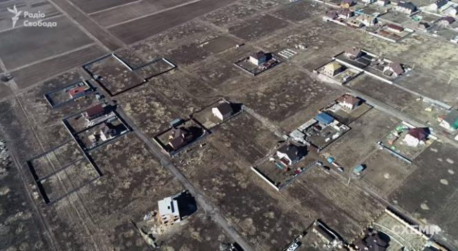 За розкрадання землі у передмісті Києва ще двом особам повідомлено про підозру