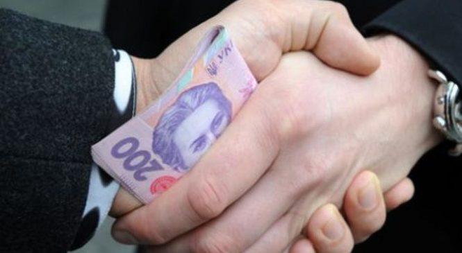 На Одещині співробітника УЗЕ судять за одержання хабара