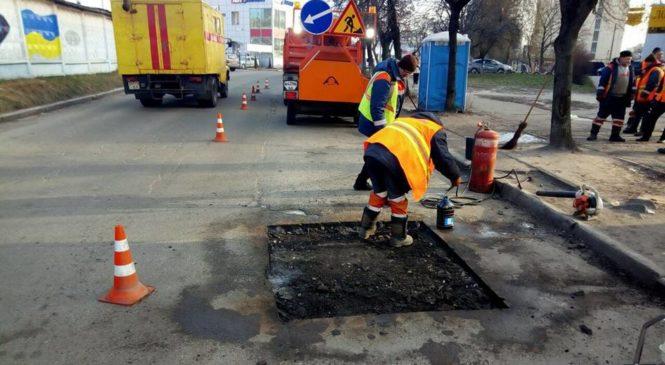 Оточення Коломойського і Корбана отримало 4 мільйони на ремонт доріг на Дніпропетровщині