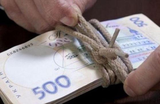 Суд відсторонив від посади селищного голову, якого підозрюють в отриманні хабаря