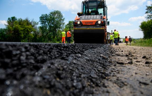Фірмі, яку звинувачують у розтраті державних коштів, віддали мільйон на ремонт доріг у Львові