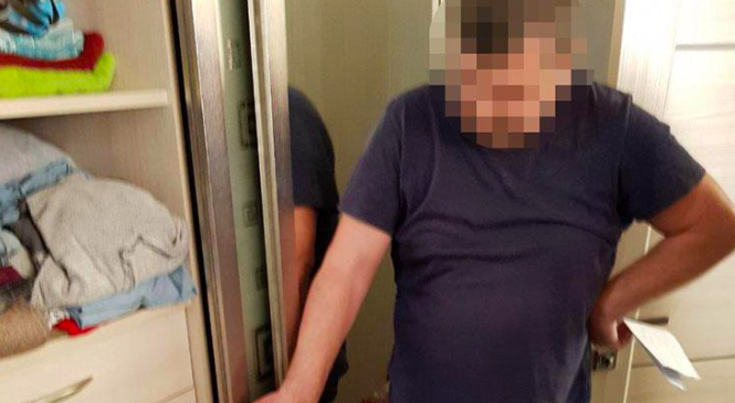 У Києві заступник голови РДА відремонтував квартиру за рахунок комунальників