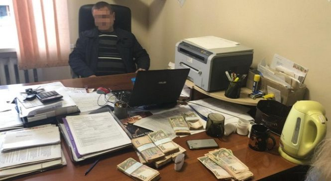 На Хмельниччині намільйонному хабарі затримано арбітражного керуючого