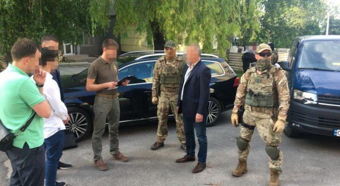 На систематичних поборах попався депутат Черкаської обласної ради