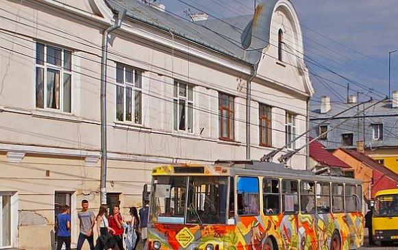 WikiInvestigation викрив масштабну аферу при закупівлях вживаних чеських тролейбусів у Чернівцях